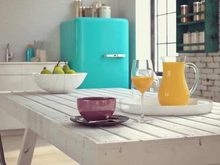Mesa em cozinha.